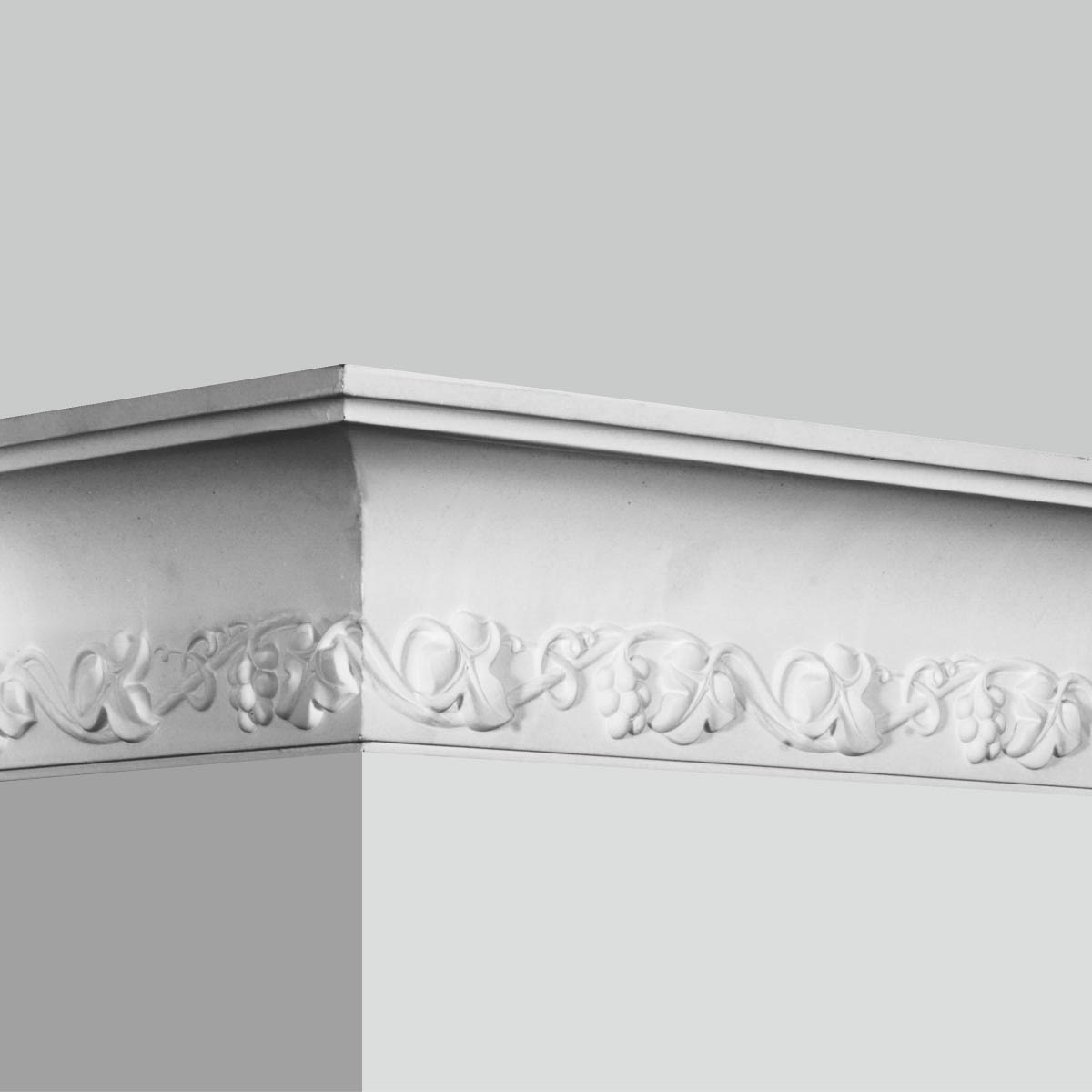 Decorative white crown moulding for sale
